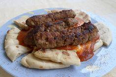 Γιαουρτλού με κεμπάπ. Πολίτικη πανδαισία με κεμπάπ ,γιαούρτι και κόκκινη σάλτσα