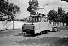 Tram polizat sine Gara de Nord 06.09.1976 © Serban Lacriteanu Bucharest, Romania, Cars And Motorcycles, Recreational Vehicles, Vintage Photos, Socialism, Memories, Memoirs, Souvenirs