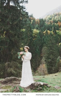 This Dreamy Long-Sleeved Wedding Dress Almost Takes us Back In Time   Photography by Svetlana Cozlitina   Wedding Dress by Marianna Lanzilli