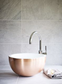 Aphrodite Cyprus basin in brushed copper and enamel with Metro single lever basin extended mixer for ensuite .#VeryMe #VeryRedrow