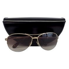Pre-owned Marc by Marc Jacobs Gold Aviator Sunglasses ($69) ❤ liked on Polyvore featuring accessories, eyewear, sunglasses, gold, aviator sunglasses, logo sunglasses, american eyewear, gold sunglasses and marc by marc jacobs eyewear