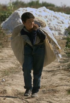 The cotton industry relies on a high level of forced child labour.