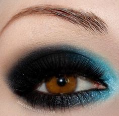 Bows and Curtseys 'Marvelous Morpho' Eye Makeup~ I may try this tomorrow & see if I freak out the MAYTAG MAN~lol