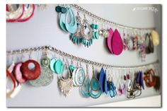 Jewelry OFF! Or stretch a metal chain between pushpins to make an elegant earring organizer. 14 Cheap AF Organization Hacks Thatll Actually Make Your Life So Much Easier Organisation Hacks, Closet Organization, Jewelry Organization, Organising Hacks, Organizing Life, Bathroom Organisation, Jewellery Storage, Jewellery Display, Jewelry Dish