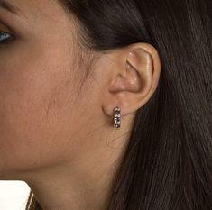 les femmes Fashion pendentifs oreille Stud Bijoux Les infirmières Call the Shots Argent Boucles d/'oreilles