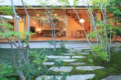 no Garden Paths, Garden Art, Plant Design, Garden Design, Stepping Stone Walkways, Brick Pavers, Villa, Landscape Design, Exterior