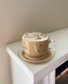 Pinterest But First Coffee, Coffee Love, Coffee Break, Iced Coffee, Cream Aesthetic, Aesthetic Coffee, Aesthetic Food, Aesthetic Photo, Good Food