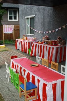 Carnival Birthday -tables & food