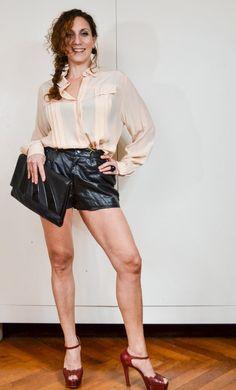 """Shorts  anni '90 in vera pelle neri modello """"biker"""" // Shorts grunge con tasche // Pantaloncini pelle modello jeans // Shorts taglia Large"""