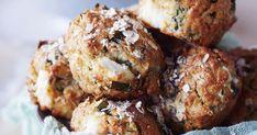 Pinaatti-fetamuffinit maistuvat yhtä hyviltä kuin pinaatti-fetapiirakka. Makuparien luottoklassikko ei petä näissäkään muffineissa. Kokeile itse!