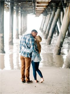 Santa Monica Pier Engagement Session by Lauren Guilford Photography via www.lemagnifiqueblog.com