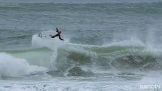 Kelly Slater aterriza un 540 en free surfing