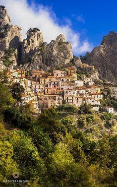 Castelmezzano, a village in the mountains, Basilicata, Italy #VisitingItaly