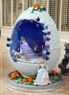 Photo Tour: The 2015 Grand Floridian Resort Easter Egg Display in Walt Disney World Disney Easter Eggs, Grand Floridian Disney, Disney Resort Hotels, Easter Traditions, Egg Art, Easter Celebration, Egg Decorating, Spring Crafts, Holiday Fun