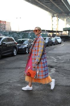 Bright plaid and tulle // Blair Eadie wearing an ASOS coat and Novis skirt // Click through to Atlantic-Pacific for more outfit details and plaid outfit inspiration RE-MIX IT // PLAID COAT Street Style Vintage, Look Street Style, Mode Outfits, Fashion Outfits, Womens Fashion, Plaid Fashion, Classy Fashion, 2000s Fashion, Pop Fashion