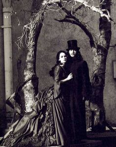 Net Photo: Publicity of Winona Ryder and Gary Oldman in Bram Stocker´s Dracula Image ID: . Pic of Winona Ryder and Gary Oldman - Latest Winona Ryder and Gary Oldman Image. Gary Oldman, Winona Ryder, Bram Stoker's Dracula, Count Dracula, Mina Harker, Dark Romance, Eiko Ishioka, Francis Ford Coppola, Photo Vintage