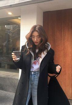 Korean Street Fashion - Life Is Fun Silo Korean Fashion Winter, Korean Fashion Trends, Winter Fashion Outfits, Asian Fashion, Look Fashion, Fashion Men, Korean Street Fashion Summer, Spring Fashion, Fashion Quiz