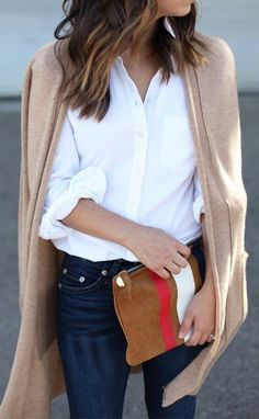 summer outfits White Shirt + Beige Cardigan + Navy Skinny Jeans