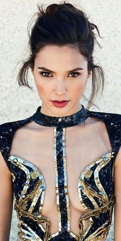 Gal Gadot by Divonsir Borges Top Celebrities, Beautiful Celebrities, Beautiful Actresses, Gorgeous Women, Beautiful People, Celebs, Hollywood Gossip, Hollywood Actresses, Hollywood Model