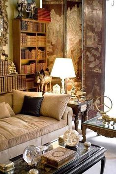 Paris apartments and interior design inspiration selected by HomeToday. Style At Home, Beautiful Interiors, Beautiful Homes, House Beautiful, Classic Decor, Living Room Decor, Living Spaces, Living Area, Living Rooms