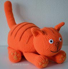 made by home: Haakpatroon Dikkertje dik gratis nach Hause Gato Crochet, Diy Crochet, Crochet Dolls, Crochet Baby, Amigurumi Patterns, Amigurumi Doll, Knitting Patterns, Crochet Patterns, Knitted Animals