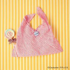 コンパクトに折りたためて持ち運べるあずま袋は、エコバッグにも最適。手ぬぐいの端がほつれないように始末さえしてあれば、作り方のとおり、2辺を縫うだけであっという間に完成します!