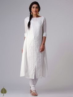 White Murshidabad Handloom Cotton Kurta by Jaypore White White chicken kurti Churidar Designs, Kurta Designs Women, Kurti Neck Designs, Blouse Designs, White Anarkali, White Kurta, Designer Party Wear Dresses, Kurti Designs Party Wear, Simple Kurti Designs
