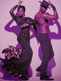 Photo by Steven Meisel for Vogue Italia, inspired by flamenco. Models: Isabeli Fontana and flamenco dancer Timo Nunez. Isabeli Fontana, Steven Meisel, Glamour Hair, Spanish Dancer, La Mode Masculine, Brazilian Models, Just Dance, Poses, Editorial Fashion