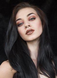 Felice Fawn Autumn make-up. Long Black Hair, Dark Hair, Black Hair Pale Skin, Brown Hair, Felice Fawn, Beauty Makeup, Hair Beauty, Beautiful Hair Color, Goth Women
