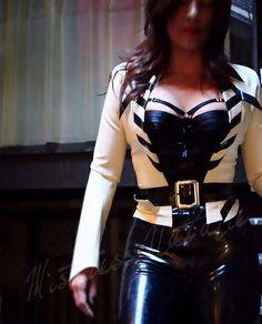 @Mistress Natalie  #latex   http://www.innersanctumonline.com/