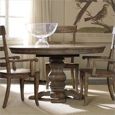 Hooker Furniture Sorella Round Pedestal Dining Table With Leaf