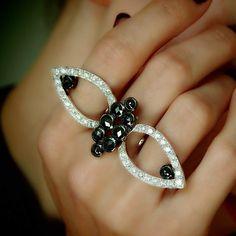 """Bespectacled"" Black & White Diamond Two Finger Ring - Plukka - Shop Fine Jewelry Online"