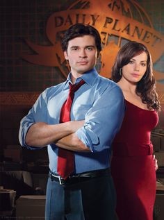 Tom Welling & Erica Durance as Clark Kent & Lois Lane, Smallville, &