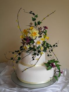 Beautiful, simple, daffodil wedding cake! I love it!
