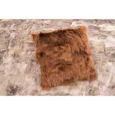 Fur Throw, Throw Pillows, Soft Furnishings, Luxury Homes, Home Accessories, Luxurious Homes, Toss Pillows, Luxury Houses, Cushions