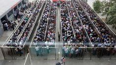 Resultado de imagen para aglomeraciones en estaciones de metro en hong kong