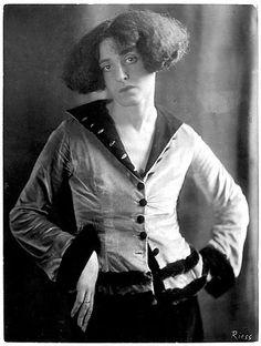 Frieda Riess, Claire Goll, um 1926