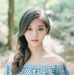 twice - tzuyu Asian Girl, Korean Girl, Twice Tzuyu, Twice Photoshoot, Chou Tzu Yu, Dahyun, Poses For Photos, Ulzzang Girl, Nayeon