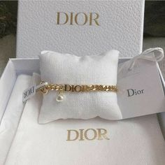 Cute Jewelry, Jewelry Accessories, Fashion Accessories, Fashion Jewelry, Dior Jewelry, Jewelry Trends, Fashion Bags, Classy Aesthetic, Aesthetic Black