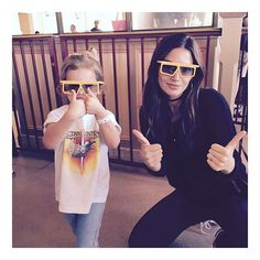 Pin for Later: 14 Model Moms You Should Follow on Instagram Lily Aldridge Lily shares adorable photos of her daughter, Dixie Pearl Followill, like this snap of the pair at Disneyland recently.