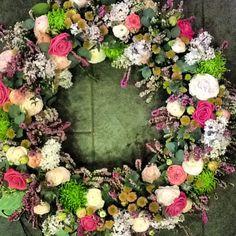 Corona funebre www.floresenvalladolid.es