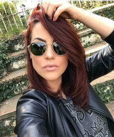 Shades of Burgundy Hair Color for 2019 – Auburn Hair Styles Hair Color Auburn, Red Hair Color, Fall Hair Color For Brunettes, Dark Fall Hair Colors, Edgy Hair Colors, Shades Of Burgundy, Burgundy Color, Dark Red Hair Burgundy, Brownish Red Hair