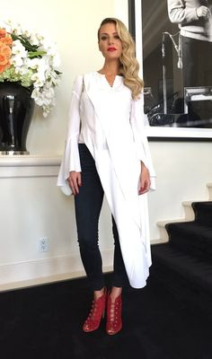 Interview: Dorit Kemsley's Stylist Jazmin Gonzalez Dishes on Fashion & More Real Housewives of Beverly Hills Season 7 Fashion and Style Dorit Kemsley, Big Blonde Hair, Minimalist Fashion, Minimalist Style, Only Fashion, Fashion Tips, Signature Look, Ladies Of London, Office Fashion