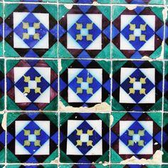 #povoadelanhoso #portugal #azulejoportugues #azulejosportugueses #tiledesign #tiles #tiled #tilelove #tilelovers #tileaddiction #tileaddict #walltiles #portugal_es_lindo #portugal_frames #shooters_pt #igers_portugal by fernandes.jmf