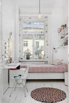 Best elegant small bedroom design ideas with stylish, art touching, and clean design. Small bedroom is best choice for your home with small space. Small Room Decor, Small Room Bedroom, Small Rooms, Home Bedroom, Small Spaces, Bedroom Decor, Tiny Bedrooms, Master Bedroom, Narrow Bedroom
