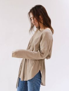 Ungrid(アングリッド) |ウエストギャザーテレコデザインロングスリーブTee 画像23 Shirt Blouses, Shirts, Layers, Runway, Beige, Fitness, Mood, Outfits, Clothes
