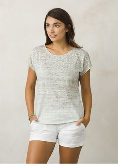 I love the prAna Harlene Top! Check it out and more at www.prAna.com