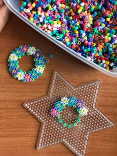 Easy Perler Bead Patterns, Melty Bead Patterns, Perler Bead Templates, Beading Patterns, Hama Beads Coasters, Diy Perler Beads, Perler Bead Art, Hamma Beads Ideas, Pearl Beads Pattern