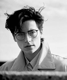 Hombres que amamos: Cole Sprouse – Riverdale – Spoiler Time Sprouse Cole, Sprouse Bros, Cole Sprouse Jughead, Dylan Sprouse, Cole Sprouse Snapchat, Beautiful Boys, Pretty Boys, Beautiful People, Mythos Academy