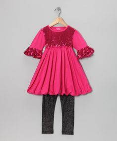 Spectacularly sparkly from top to bottom, this knit set was made to help glamour girls shine their brightest. The sequin-trim tunic and coordinated leggings shimmer with the promise of a gleeful and fashionable day.